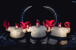 Sirens, Men and Crabs by Teatro Pomodoro